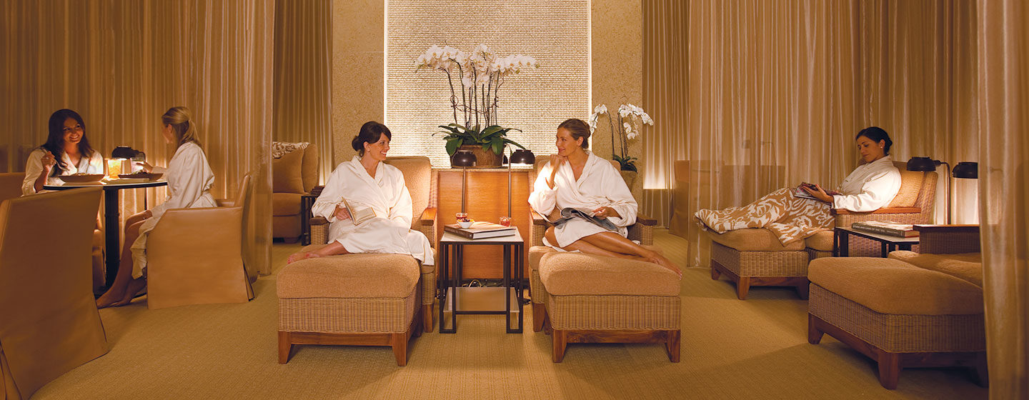 The spa at pelican hill forbes five star rating for Salon lounge
